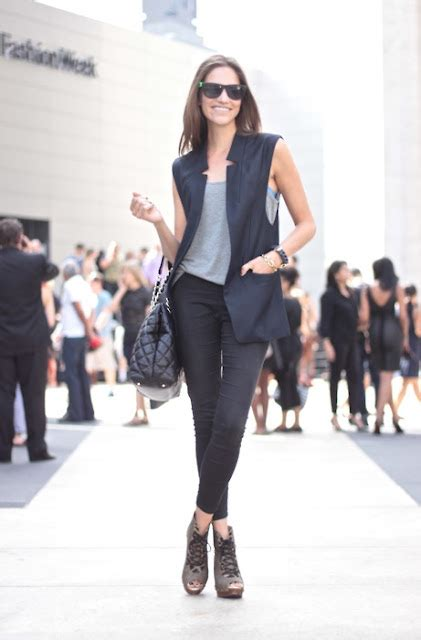 How-to-wear-sleeveless-blazer3   Clothes Captioned