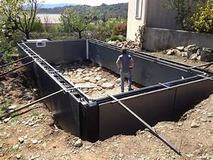 construction piscine hors sol en beton kirafes With construction piscine en beton