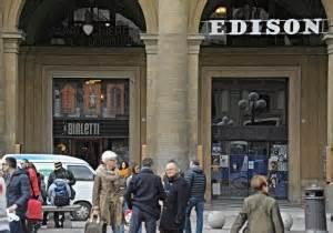 libreria piazza della repubblica roma feltrinelli apre nei locali della edison firenze
