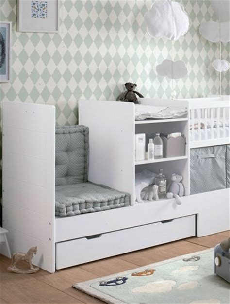 chambre de bébé design chambre bébé lit transformable blanc photo 6 10 un