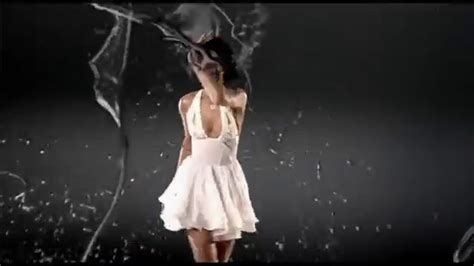 Rihanna  Umbrella (orange Version) Ft Jayz