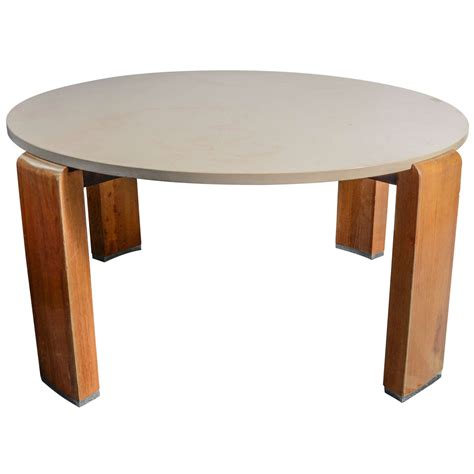 Trendy Brown And White Wooden Round Pedestal Coffee Table