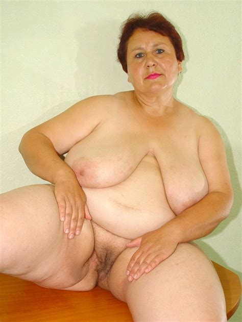 Oma Granny Hirsute