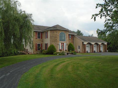 House For Sale  Waynesboro, PA  7 Bedrooms $389K