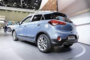 Hyundai I20 Blanche : hyundai i20 active sur un air de crossover l 39 argus ~ Gottalentnigeria.com Avis de Voitures