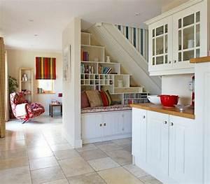 adoptez l amenagement sous escalier chez vous With deco entree de maison 8 plante dinterieur originale les bonnes idees cate maison