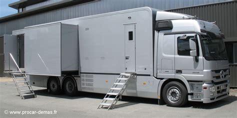 camion équipé cuisine carrossier constructeur fabricant agenceur motor home véhicule animation car podium remorque