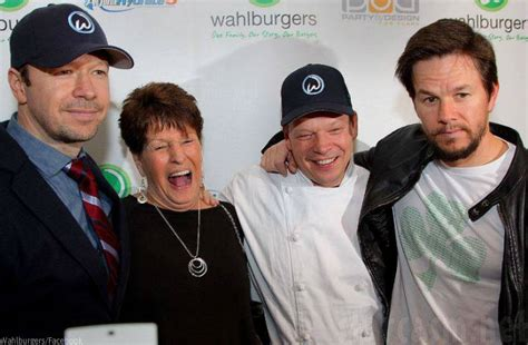 wahlberg donnie wahlburgers paul mark wahlbergs brothers alma reality wahlburger restaurant mother actor chef he menu florida detroit nkotb orlando