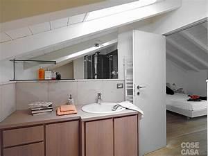 Una casa con zona giorno open space e camera sottotetto Cose di Casa