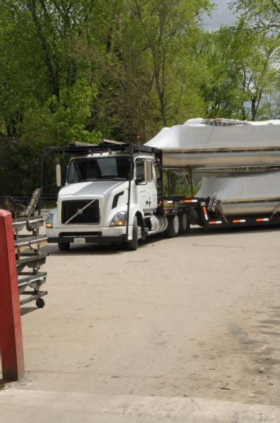 Sunchaser Pontoon Problems by From Factory To Family Pdb Hits The Road On A Delivery