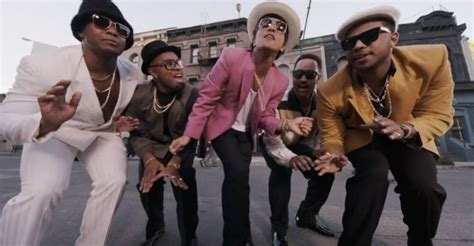 Mark Ronson Ft. Bruno Mars… 'uptown Funk'