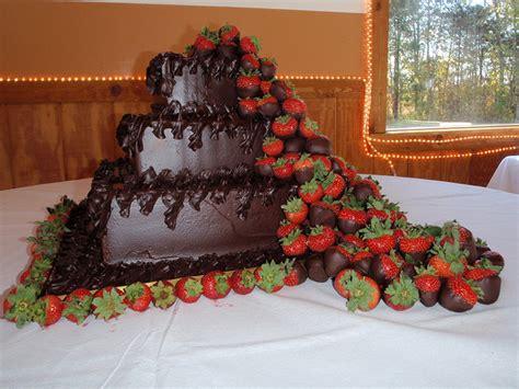 chocolate covered strawberry waterfall wedding cake
