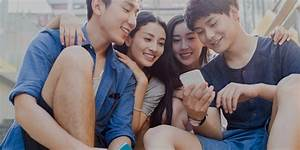 Chinese Millennials on their mobile - MBA DMB Shanghai