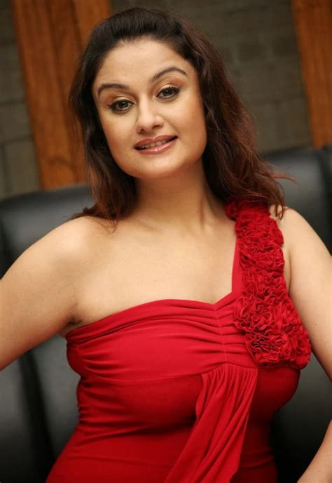 Sonia Agarwal Latest Sexy Hot Photos Images Gallery