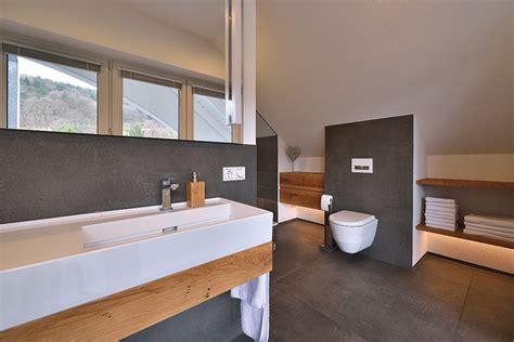 bad mit holz badezimmer sanieren eichenhaus schreinerei architekturb 252 ro