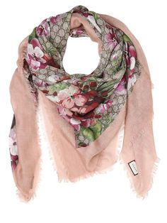 burberry scarf fake  real   avoid  scammed burberry scarf scarves  cold