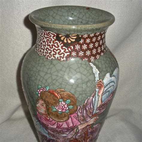 japanese pottery celadon crackle glaze samurai couple