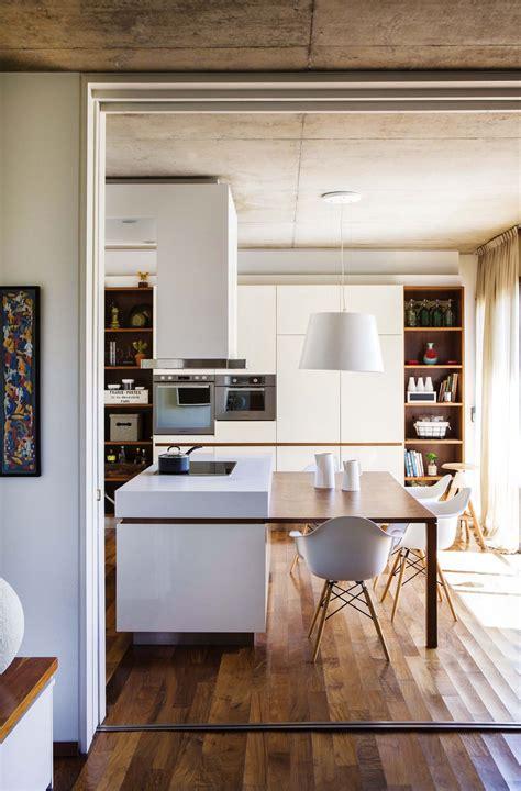 una cocina en blanco  madera cocina kitchen design