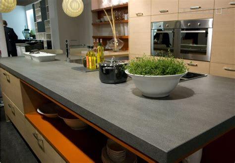 plan ceramique cuisine cuisine plan de travail en îlot de cuisine moderne