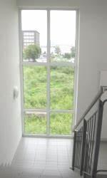 Fenster Für Treppenhaus : treppenhaus sonnenschutz vor gro er hitze mit ~ Michelbontemps.com Haus und Dekorationen