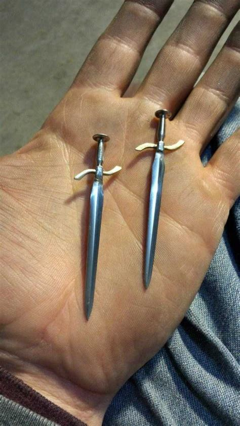 ingenious tiny swords   nails   klykercom