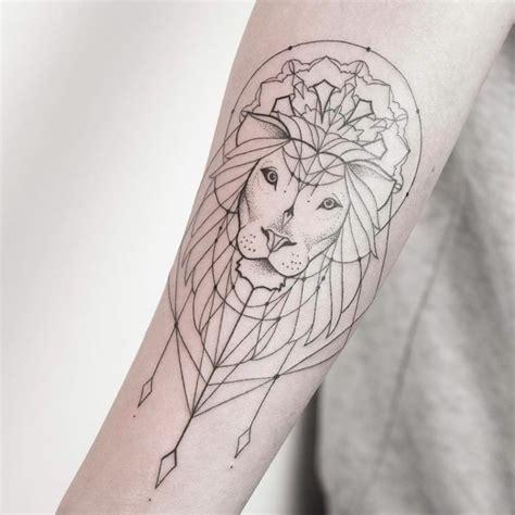 tatouage papillon homme cochese tattoo