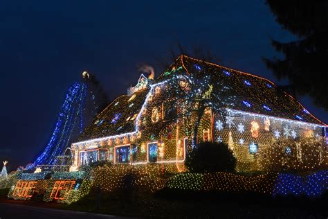 Best Christmas Light Displays In The Detroit Area « Cbs