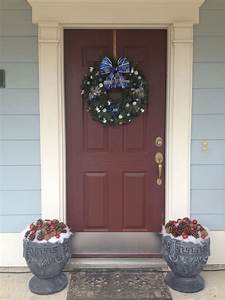 Great, Way, To, Decorate, Those, Empty, Front, Door, Flower, Pots, In, The, Winter, And, Around, Christmas
