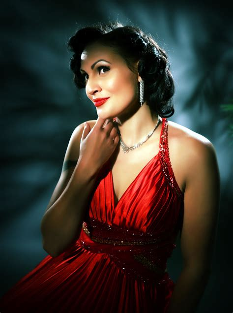 Lillian Love - Pinup Models