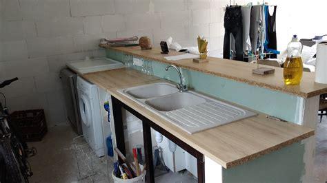 fixer plan de travail cuisine plan de travail à fixer sur muret pour cuisine americaine forum décoration mobilier système d