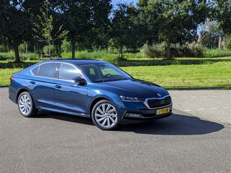 The kodiaq's modern petrol and diesel engines deliver ample power. Autotest - Skoda Octavia Hatchback (2020) - AutoRAI.nl