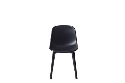chaise plastique noir chaise neu plastique pieds bois noir pieds noirs hay