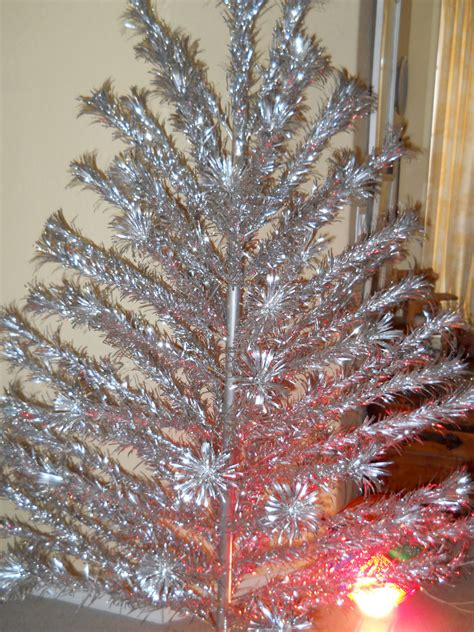 vintage 6 ft aluminum christmas tree by silverline and color