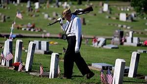 Obama Leads Country In Celebrating Memorial Day
