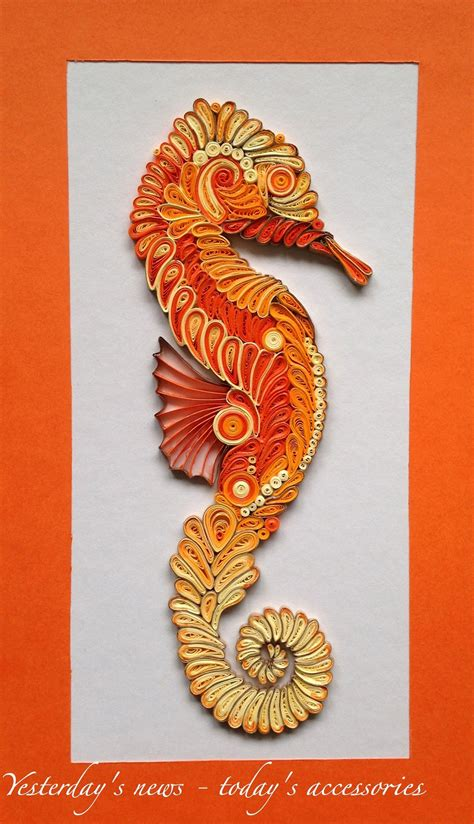 paper quilling seahorse    cm  mm strips finished