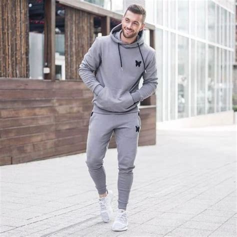 Winter Looks With Hoodie Sweatshirts For Men Styleoholic