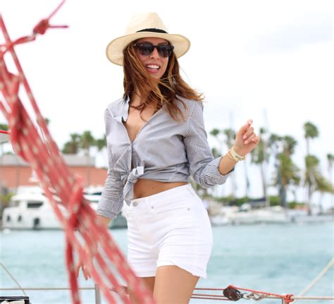 Boat Ride Wear by What To Wear On A Boat Boating Ideas Sydne Style