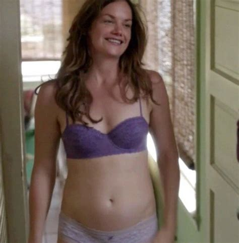 Hot celeb Ruth Wilson shows her natural breasts - image 3 of 4