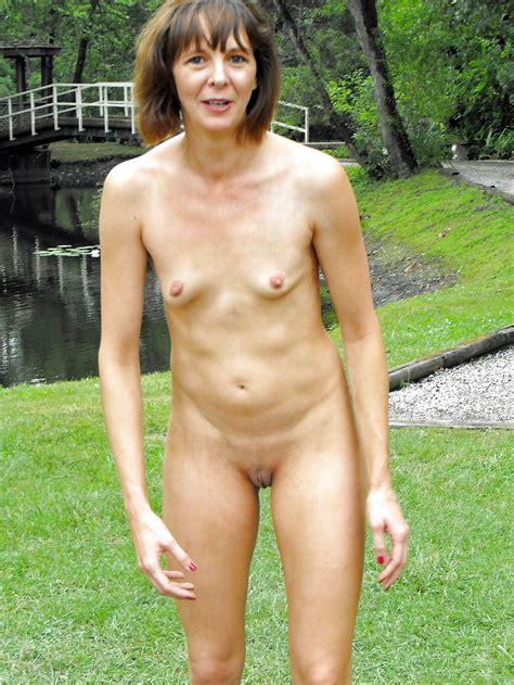 Mature Women Outdoor Naked Pics