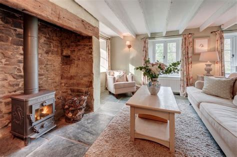 luxury cottage cornwall best 25 cottage fireplace ideas on wood