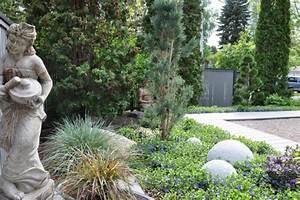 Pflanzen Immergrün Winterhart : bodendecker vinca minor im garten pflanzen und pflegen ~ Markanthonyermac.com Haus und Dekorationen