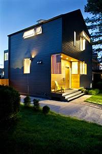 New, Jersey, Modern, House, With, References, To, The, Traditional, Architectural, Shapes