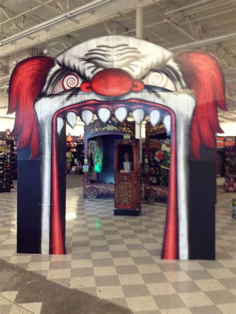 creepy clown decorations evil clown archway carnevil pinterest halloween party recipes haunted castles and magic