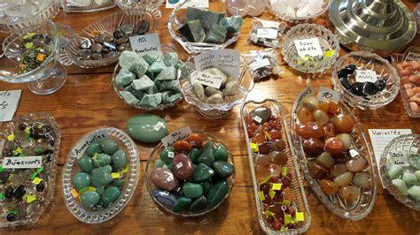 Dabīgo akmeņu un kristālu veikals - Kontakti