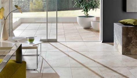 Moderne Fliesen Wohnbereich by Moderne Fliesen Im Wohnbereich Bei K 246 Ln Fliesen Huth De
