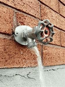 banque d39image robinet exterieur avec eau qui coule With robinet d eau exterieur