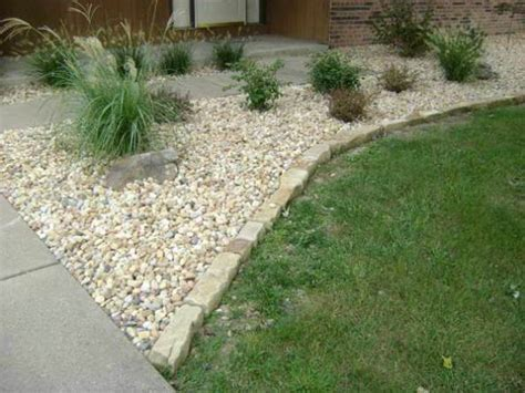 garden rocks lowes landscaping edging how to makeit well ortega lawn care