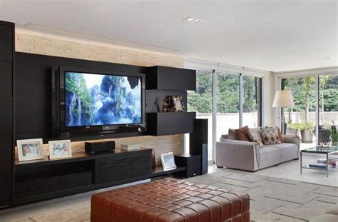 decoração de sala pequena sofá marrom escuro 65 modelos de painel para tv que deixam qualquer sala linda