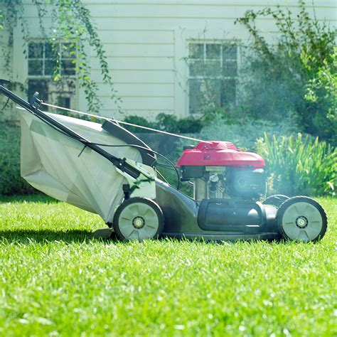 best lawn mower how to buy the best lawn mower lawn mower buying guide good housekeeping institute