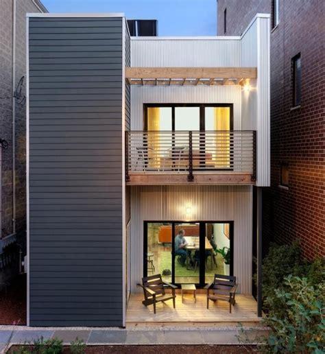 Moderne Häuser Balkon by Kleiner Balkon Mit Zwei St 252 Hlen Und Metall Holz Gel 228 Ndern